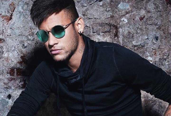 188796d11652b Neymar Jr e Police  uma parceria baseada na atitude - Frames